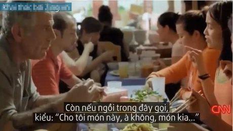 Ngan ngam, chui bay nhu 'chuyen thuong ngay o… pho' - Anh 1