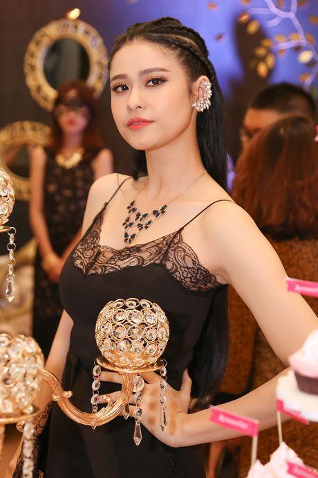 Truong Quynh Anh 'do' sac cung 'Cam' Ninh Duong Lan Ngoc - Anh 1