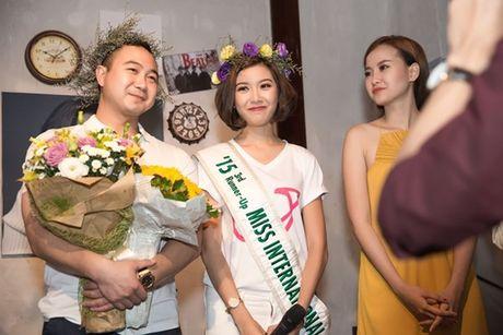 Ban trai bi mat xuat hien khien Thuy Van 'dung khong vung' tren san khau - Anh 16