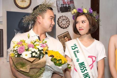 Ban trai bi mat xuat hien khien Thuy Van 'dung khong vung' tren san khau - Anh 17