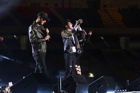 Bao Han uu ai dua tin Noo Phuoc Thinh tai Asia Song Festival 2016 - Anh 1
