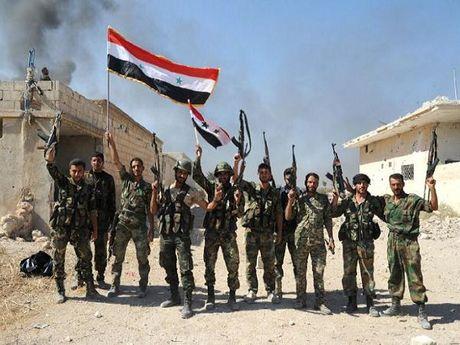 Quan doi Syria gianh lai nhieu thi tran quan trong tai Hama - Anh 1