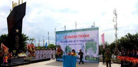 Dai tuong niem Da Bien – Cong trinh tri an cac Anh hung Liet sy cua Truong Dai hoc Xay dung - Anh 1