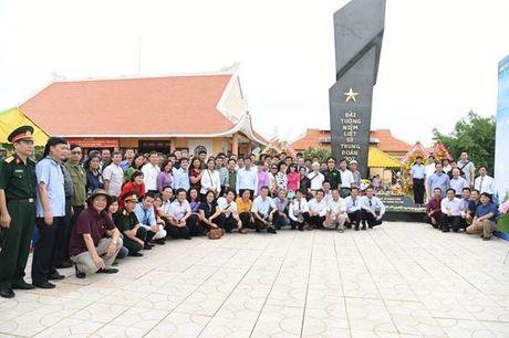 Dai tuong niem Da Bien – Cong trinh tri an cac Anh hung Liet sy cua Truong Dai hoc Xay dung - Anh 3