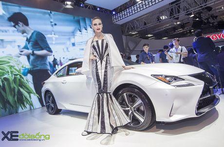 Dan nguoi mau Lexus sac ben nhat Vietnam Motor Show 2016 - Anh 1