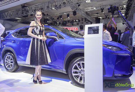 Dan nguoi mau Lexus sac ben nhat Vietnam Motor Show 2016 - Anh 7
