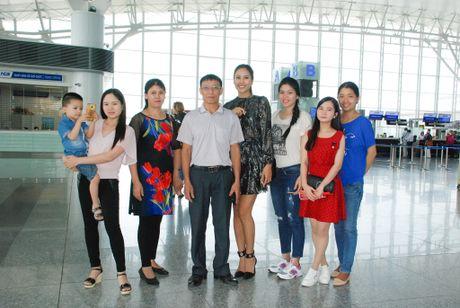 Nguyen Thi Loan len duong sang My thi 'Hoa hau Hoa binh The gioi' - Anh 2