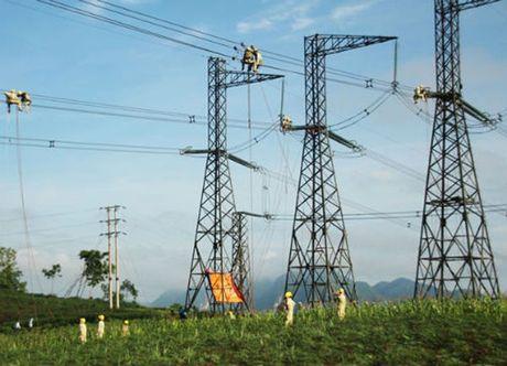EVN bac y tuong chi 108 ty dong xay dai vinh danh cong trinh 500 kV Bac - Nam - Anh 1