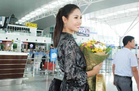 Nguyen Thi Loan, Phuong Linh len duong thi nhan sac quoc te - Anh 2