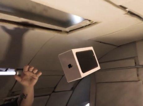 Ky thu man 'dap hop' iPhone 7 trong moi truong khong trong luc - Anh 1