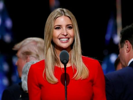 Donald Trump binh pham ve co the con gai Ivanka - Anh 1
