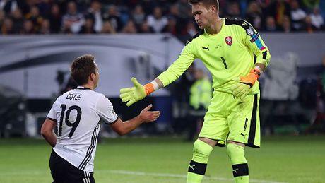 Duc 3-0 CH Czech: Mueller cuoi cung da ghi ban, giai toa uc che don nen - Anh 1