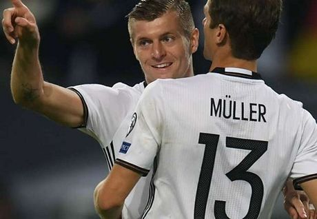 Duc 3-0 CH Czech: Mueller cuoi cung da ghi ban, giai toa uc che don nen - Anh 3