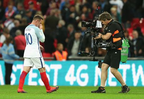 7 hinh anh tom tat man trinh dien te hai cua Rooney truoc Malta - Anh 3