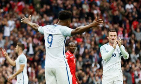 7 hinh anh tom tat man trinh dien te hai cua Rooney truoc Malta - Anh 6