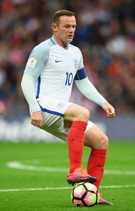 7 hinh anh tom tat man trinh dien te hai cua Rooney truoc Malta - Anh 7