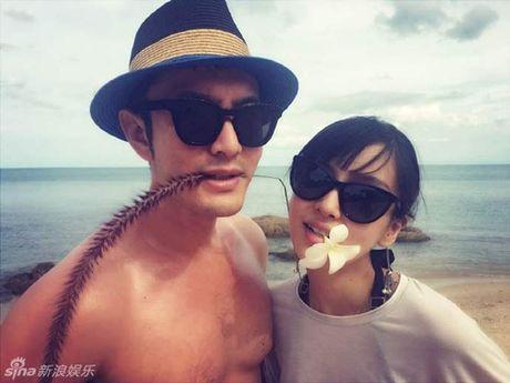 Dap tin don ran nut, Huynh Hieu Minh khoe kheo Angela Baby mang bau - Anh 2