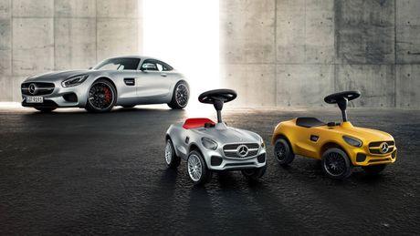 Mercedes trinh lang xe AMG GT Bobby-Car danh cho tre em - Anh 2