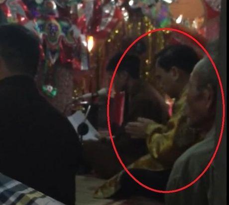 Tranh cai kich liet ve clip to 'Vu truong Bo Y te di hau dong' - Anh 1