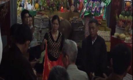 Tranh cai kich liet ve clip to 'Vu truong Bo Y te di hau dong' - Anh 2