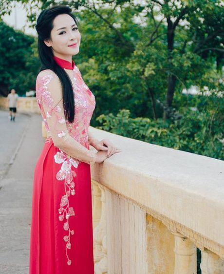 Ve dep 'mot troi mot vuc' sau phau thuat tham my cua Vu Thanh Quynh - Anh 11