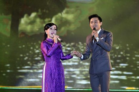 Phuong Thanh la lam khi doi khan che dau troc - Anh 11