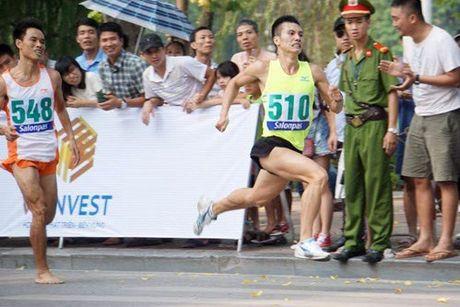 Chung ket Giai chay Bao Hanoimoi mo rong lan thu 43- Vi hoa binh: Quyet liet nhung cuoc tranh tai - Anh 1