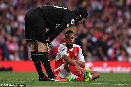 Arsenal don lien 2 tru cot tro lai sau chan thuong - Anh 1