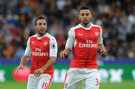 Arsenal don lien 2 tru cot tro lai sau chan thuong - Anh 2