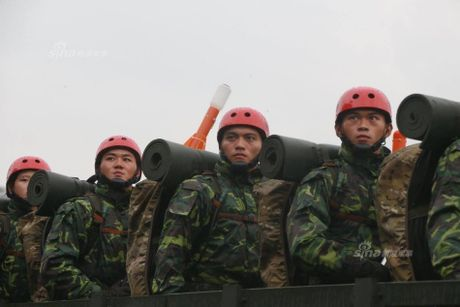 Muc kich cuoc duyet binh hoanh trang cua Dai Loan trong mua - Anh 4
