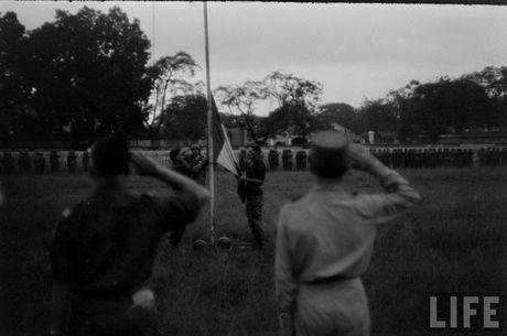 Tan muc linh Phap cuon co rut khoi Ha Noi nam 1954 - Anh 3