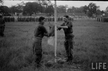 Tan muc linh Phap cuon co rut khoi Ha Noi nam 1954 - Anh 4