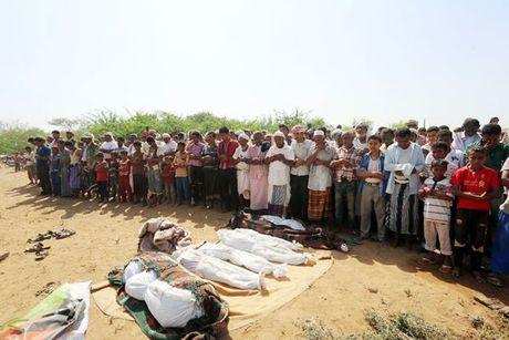 Saudi Arabia san sang dieu tra vu khong kich Yemen - Anh 1