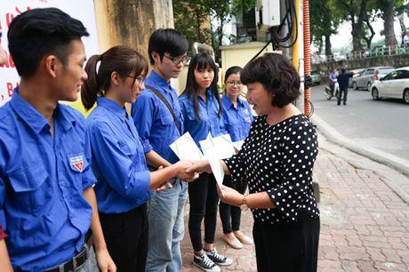Doan thanh nien Bao Hanoimoi: Khanh thanh va ban giao 'Vuon hoa Thanh nien' tai phuong Truc Bach - Anh 4
