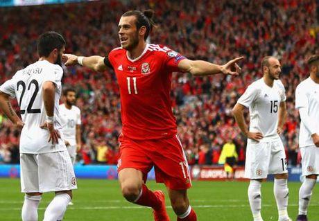 Bale no sung tran thu 3 lien tiep, xu Wales van bi chia diem - Anh 1
