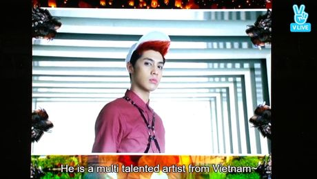 Noo Phuoc Thinh khien fan Han vay lightstick gao thet tai Asia Song Festival - Anh 1