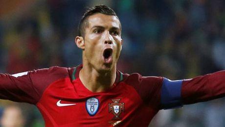 """Ronaldo """"am"""" hang loat ky luc moi o doi tuyen Bo Dao Nha - Anh 1"""