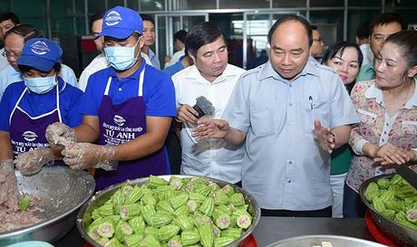 Thu tuong: TP HCM can co xe luu dong xet nghiem an toan thuc pham - Anh 1