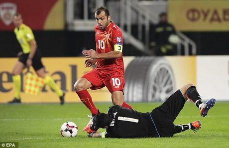 Vong loai World Cup: Italy nguoc dong danh bai Macedonia - Anh 1