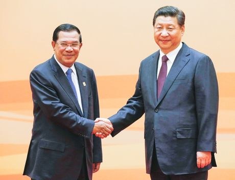 Tap Can Binh chuan bi sang tham Campuchia - Anh 1