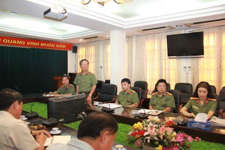 Doan dai bieu Bo Thong tin, Van hoa va Du lich Lao tham, lam viec tai Bao CAND - Anh 3