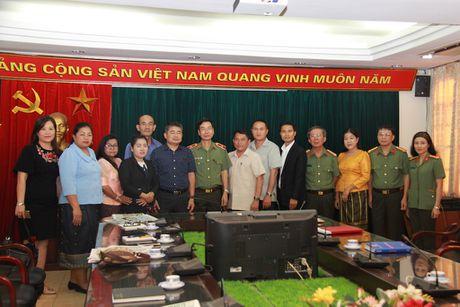 Doan dai bieu Bo Thong tin, Van hoa va Du lich Lao tham, lam viec tai Bao CAND - Anh 6