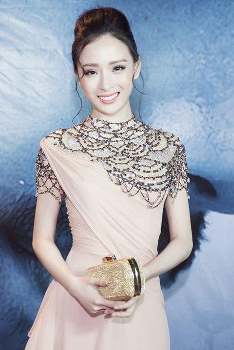 Khong vuong lao ly, HH Phuong Nga 'an dut' nhieu Hoa hau Viet - Anh 3