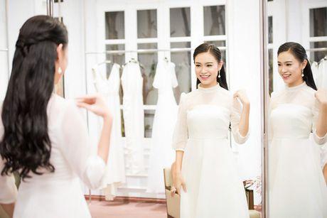 'Co gai vang' cua Hoa hau Viet Nam hoi ngo dan chi Huyen My - Anh 2