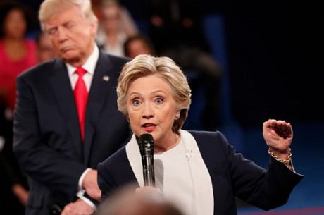 Trump tiep tuc thua Hillary trong cuoc tham do du luan - Anh 1