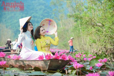 Suoi Yen dep me hon trong nang thu - Anh 3