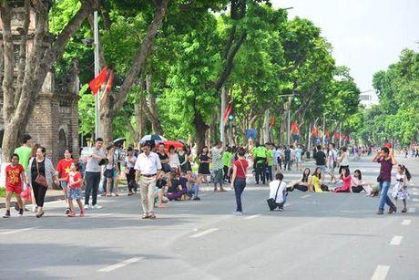 Diem tin 9/10: Chung tay xay dung khong gian di bo an toan, van minh, hap dan va hieu qua - Anh 1