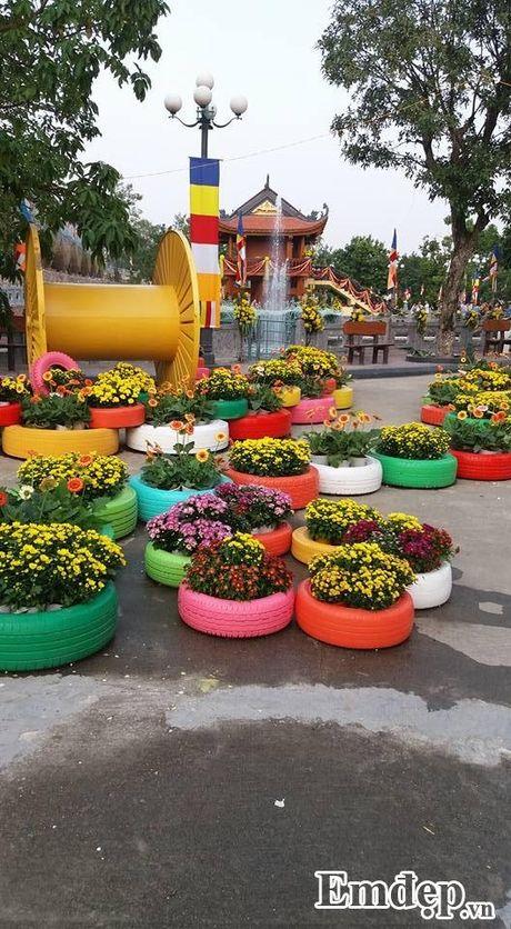 Den chua Ba Vang thuong ngoan hoa cuc 7 mau - Anh 4