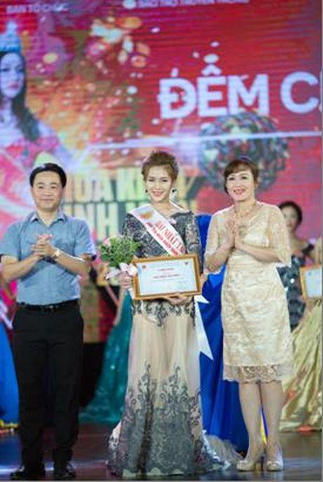 Nu sinh Dai hoc Dien luc doat giai tai nang iMiss Thang Long - Anh 1
