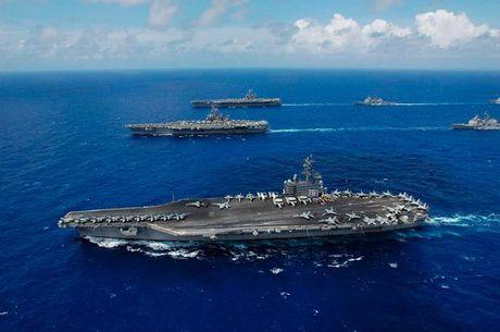 My dua tau san bay USS Ronald Reagan tap tran voi Han Quoc tren bien Hoang Hai - Anh 1
